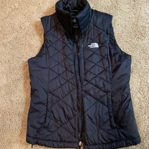 Black north face vest size small